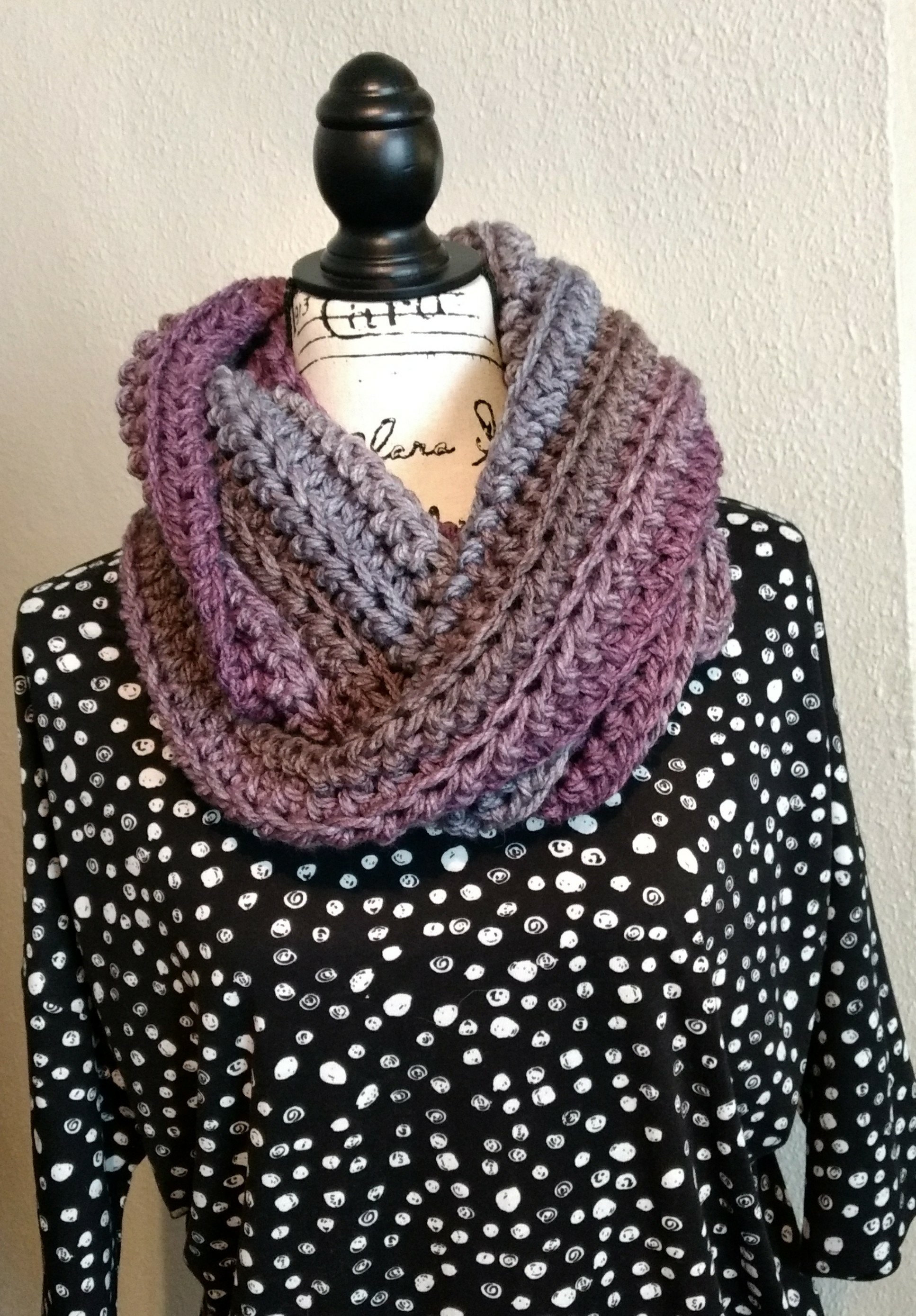Gray sparrow chunky infinity scarf impatient crochet time to make 1 hour bankloansurffo Image collections
